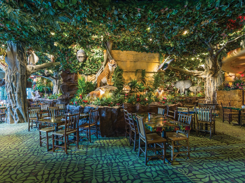 Rainforest Cafe dining area in Niagara Falls.