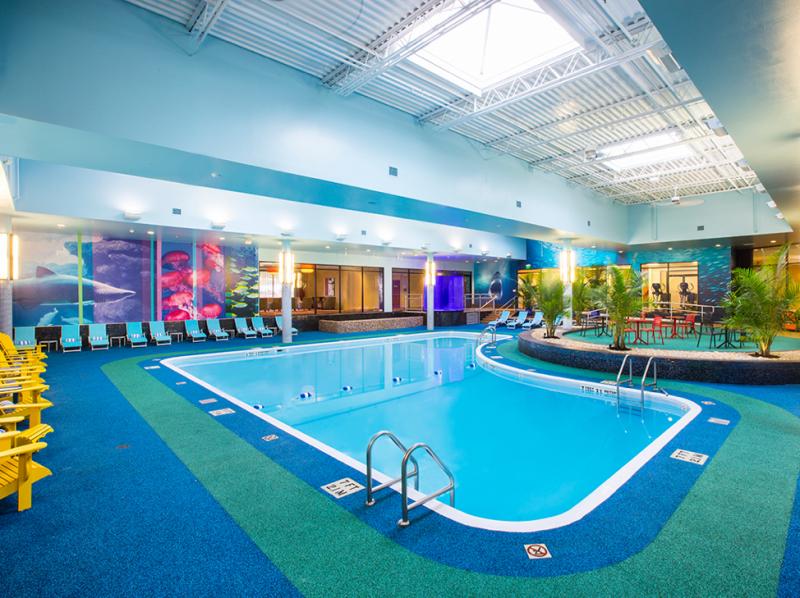 Niagara Falls Sheraton Hotel pool club.