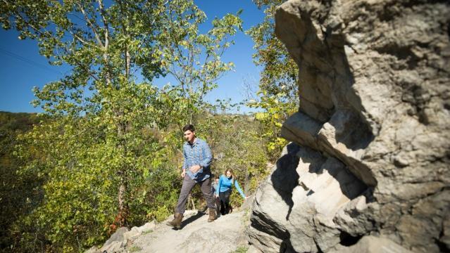 hiking in niagara falls